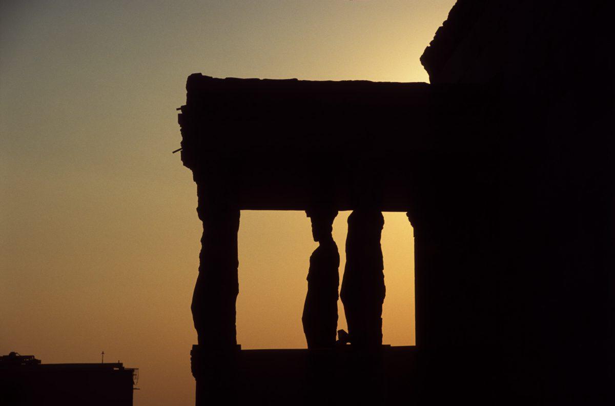 Kariatides, landmark, contrast, sunset