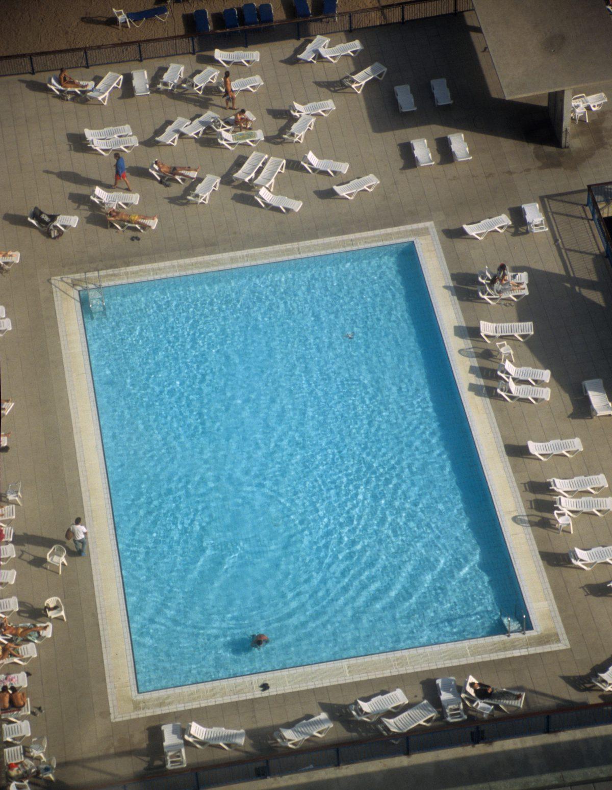 pool, height