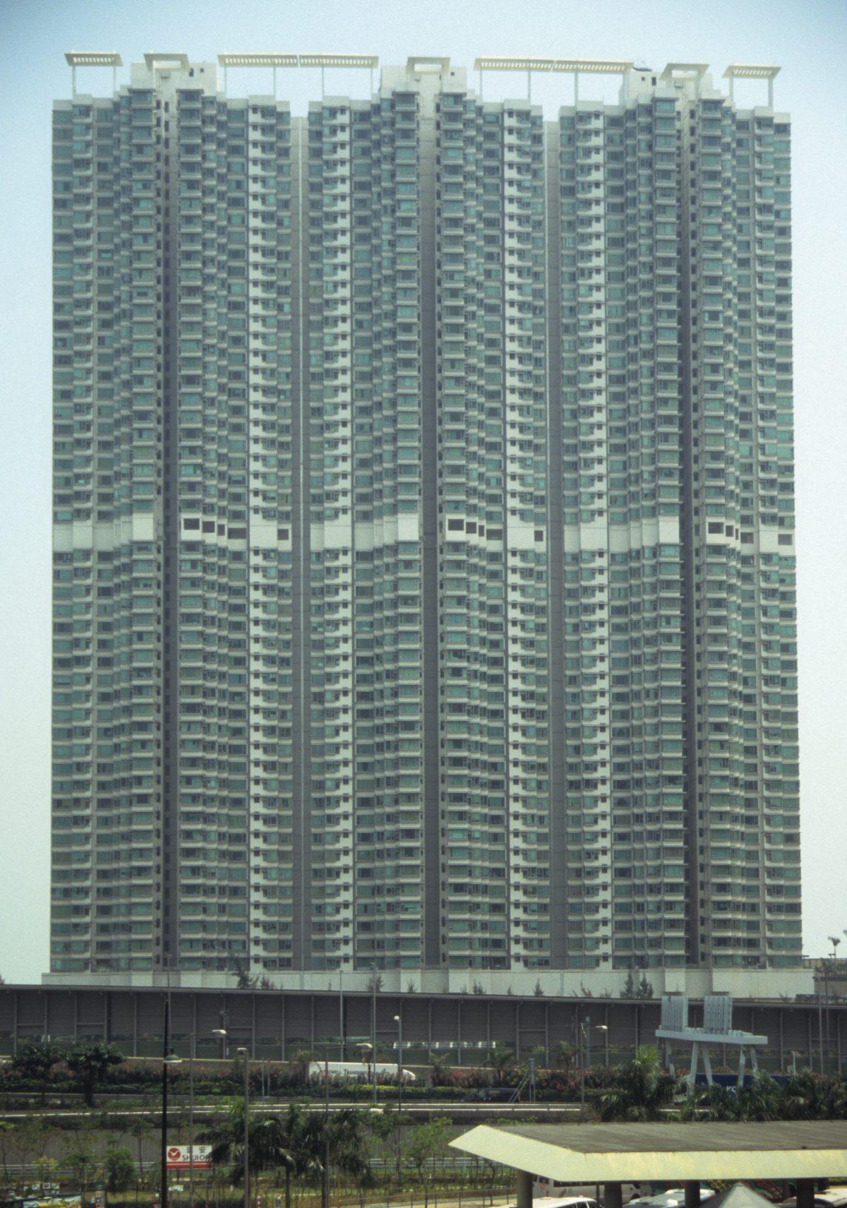 big habitat container - probable 1000+ flats, building