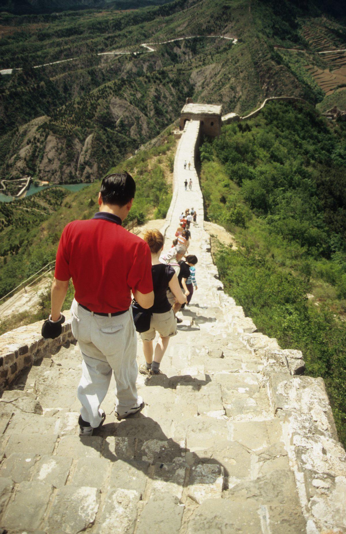 Descent - Great Wall at Simatai, landmark, people, walk
