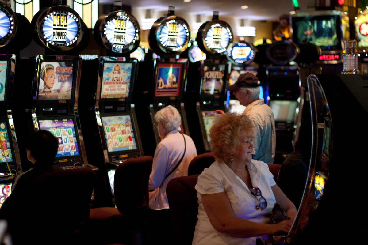 Slots - At Hastings, female, slot