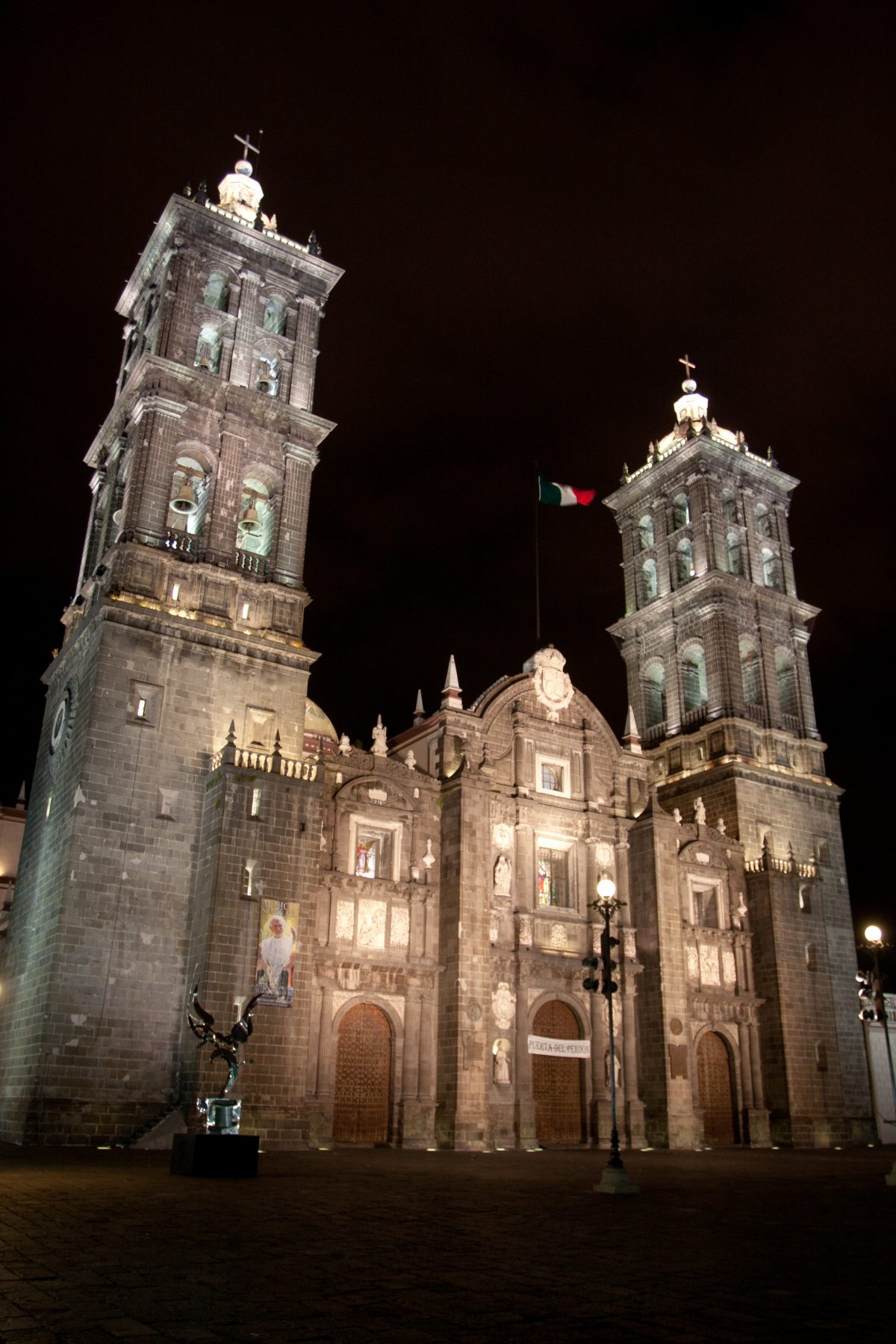 La Básilica Catedral - at night, church, night