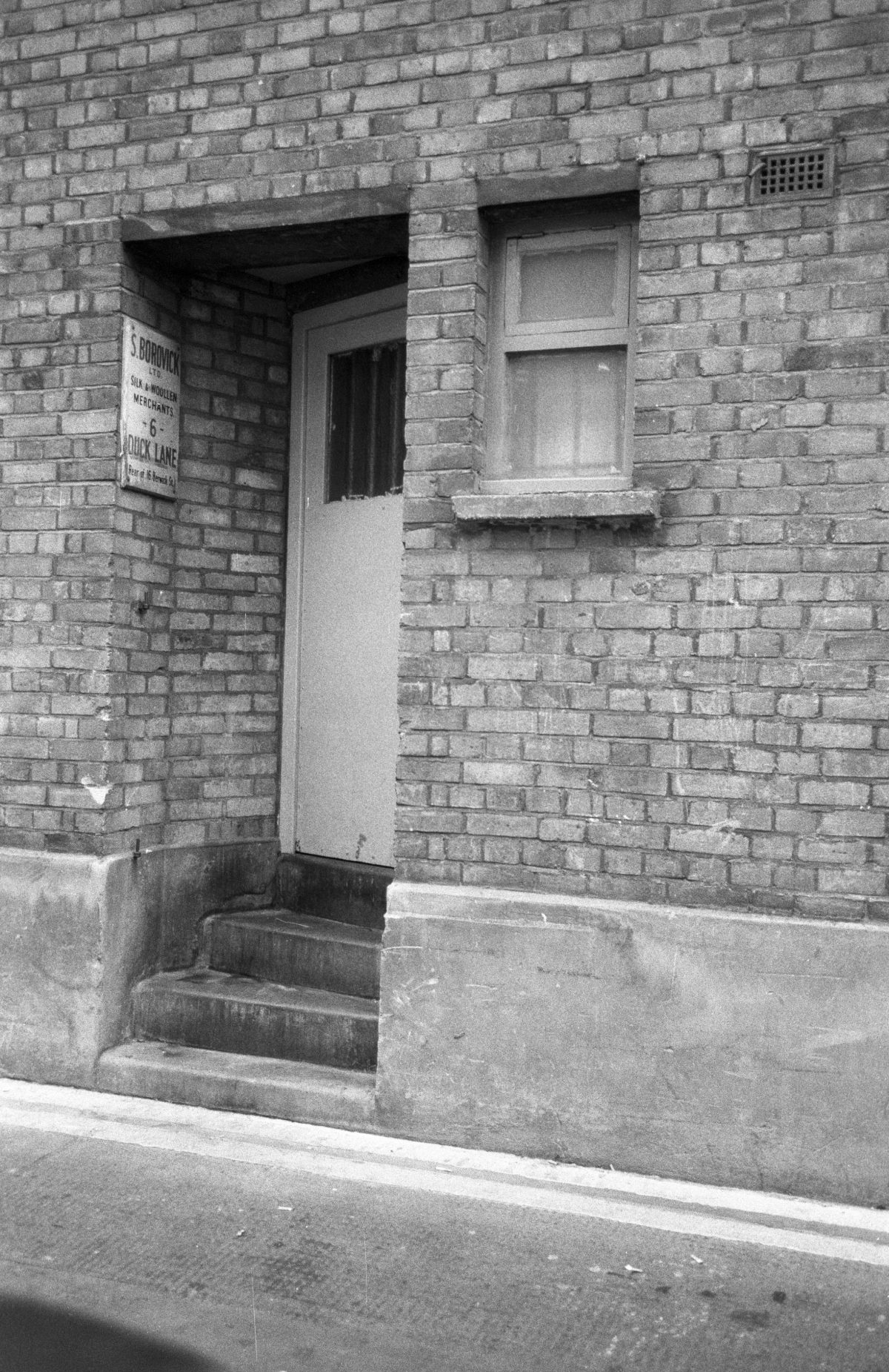 Duck lane, alley, door, bw
