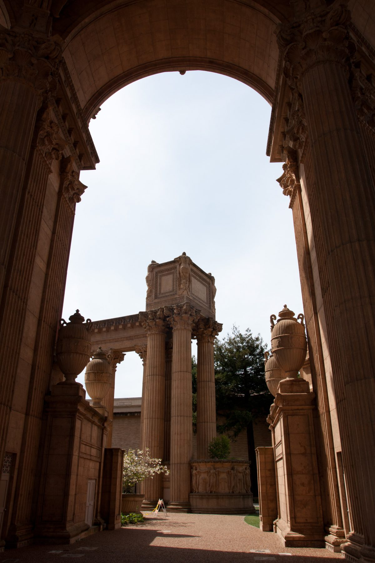 Palace of Fine Arts Theater, building