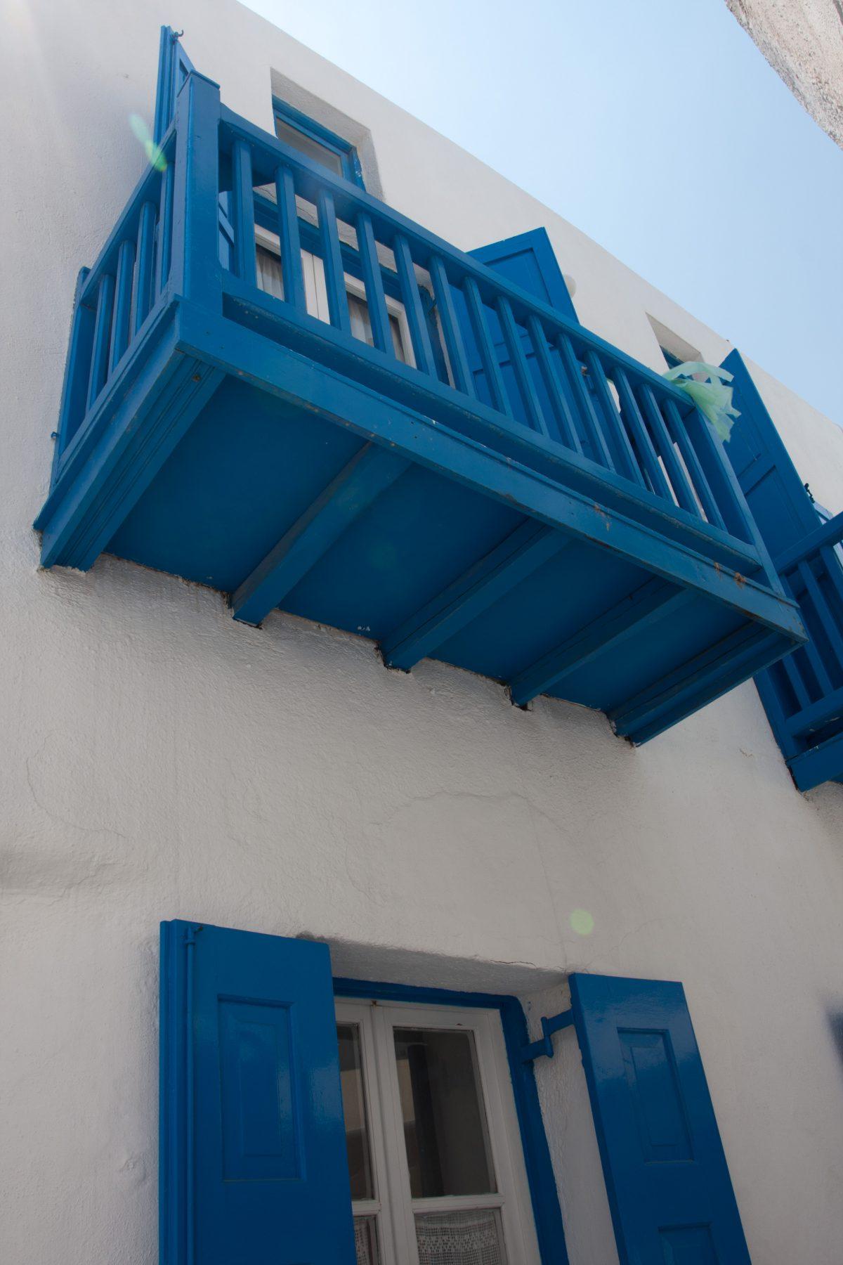 alley, balcony