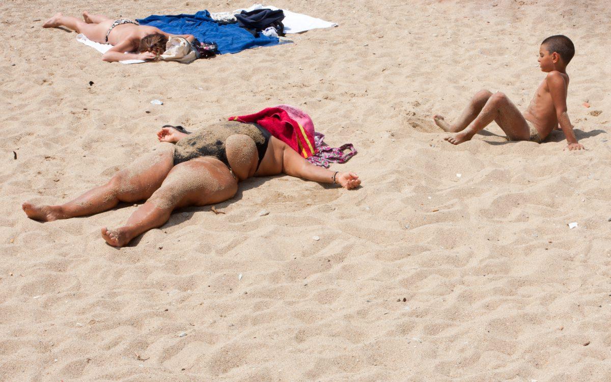 Heat, beach, tourist