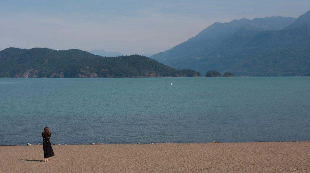 Harrison Hot Springs Lake, lake, mountain, beach