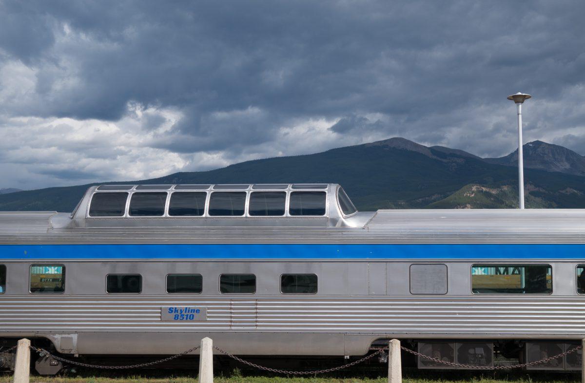 train, cloud