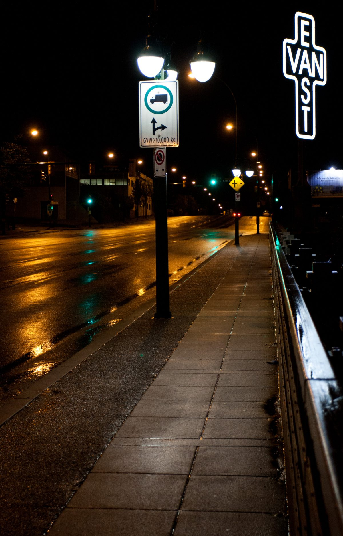 night, sign, road, cross
