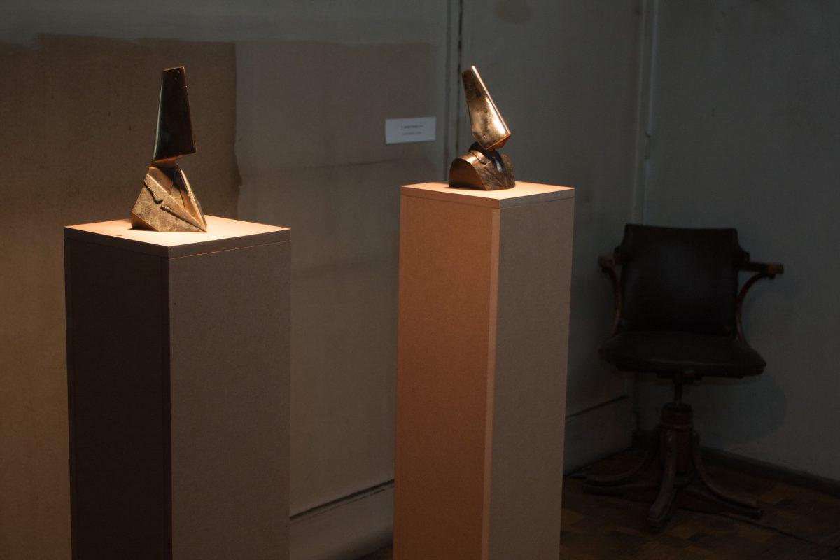 Divide & Conquer - 22 & 21cm Bronze, exhibition, sculpture, ch3