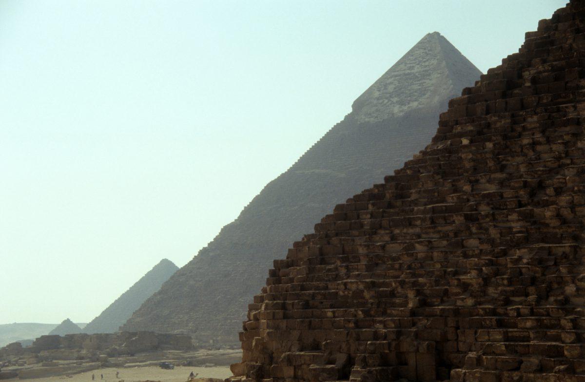 Line up - Menkaure, Khafre, Khufu pyramids, landmark, sand
