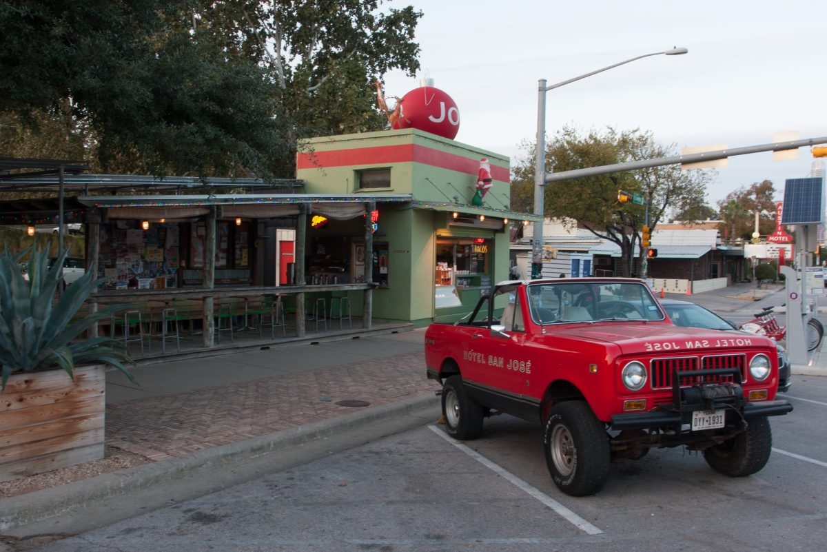 Austin - Texas, car, restaurant