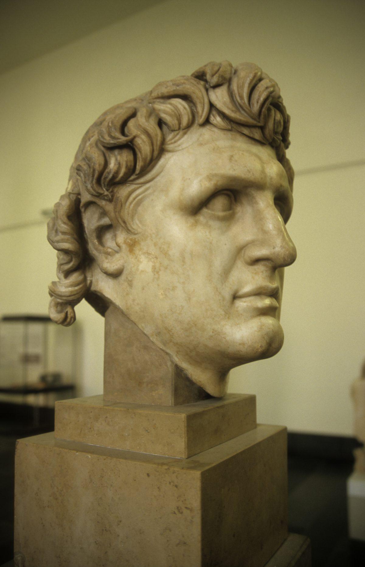 Roman bust - At the Pergamon museum, face, art, museum, sculpture, bust