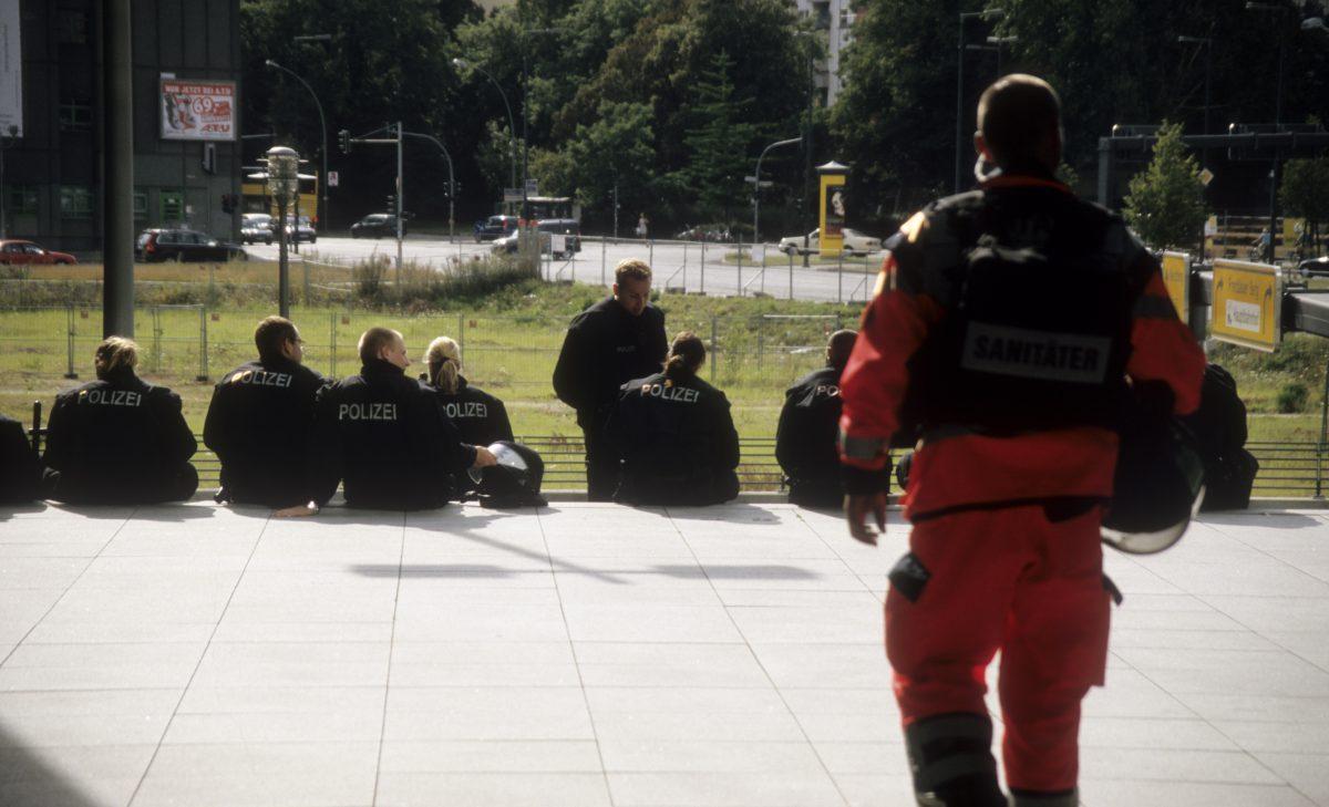 On duty, firefighter, police, people