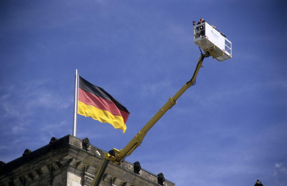 flag, building, crane