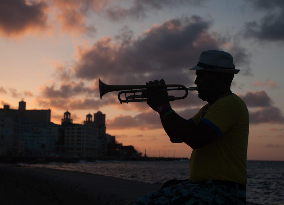 city, sea, people, sun, trompet, music